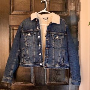 NWT Sherpa Lined Cropped Denim Jacket